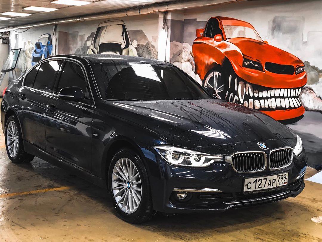 Затонированый BMW
