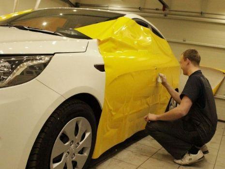 Оклейка авто жёлтой плёнкой